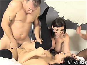 vag eating and cumswapping bang-out with Alura Jenson and her handsome buddies