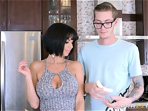 crazy mummy Veronica Avluv tearing up her sons-in-law super-naughty friend