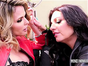 Mindi Mink and shy enjoy gobbling and scissoring outside