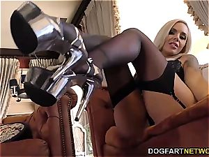 frolic Nina Elle uses her feet and mouth to satiate