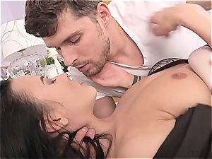 super-sexy dark haired with inborn udders luvs the afternoon poke