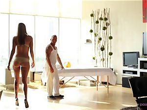 Lexi Davis likes super-hot rubdown and catapulting