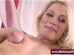 blond has a excellent poon prepped for a porking