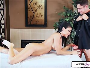 Jessica Jaymes takes Brad's hefty jizz-shotgun and gets penetrated