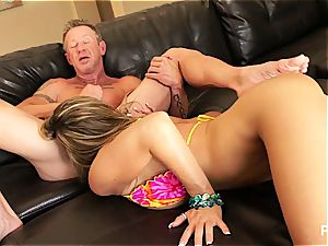 Kristal concluding up with jizz in her cougar poon