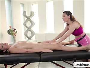 big-chested honey Valentina Nappi loves scissor boinking Avi enjoy