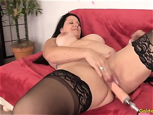 Mature Leylani dick pounded by a Machine