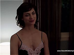 impressive Morena Baccarin looking cool naked on film
