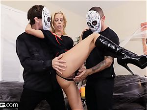 screw Confessions Alexis gives stepson a Halloween handle