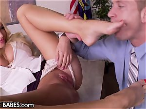 humungous cupcakes Office milf Uses soles to penalize worker