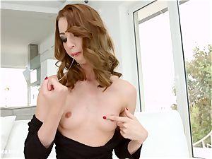 Leyla Peachbloom wanking on Sapphix