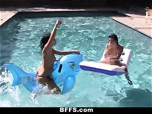 BFFS - girly-girl hump Pool party!