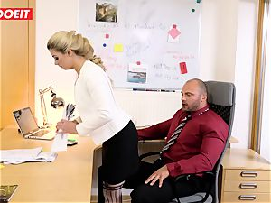Stepdaughter joins daddy in humping the office secretary