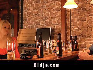 English old crank fucks cute american teeny in a bar