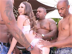 Jules Jordan - Riley Reid interracial gang-bang