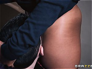 Lola Marie does sabotage work with her cougar muff