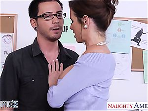 Vixen Veronica Avluv ready for a lovemaking in the office
