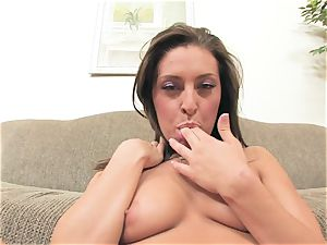 Gracie Glam packs her hot slot with those sex-positive mischievous thumbs pleasing her