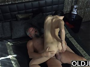 nymph Dee nubile pussy munching And fuck with muddy facial