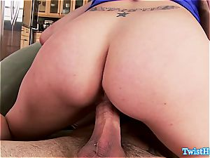 frisky Anna Morna boinks him in the kitchen and gets a facial cumshot