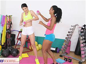sport rooms wetting g/g vulva gets pummeled